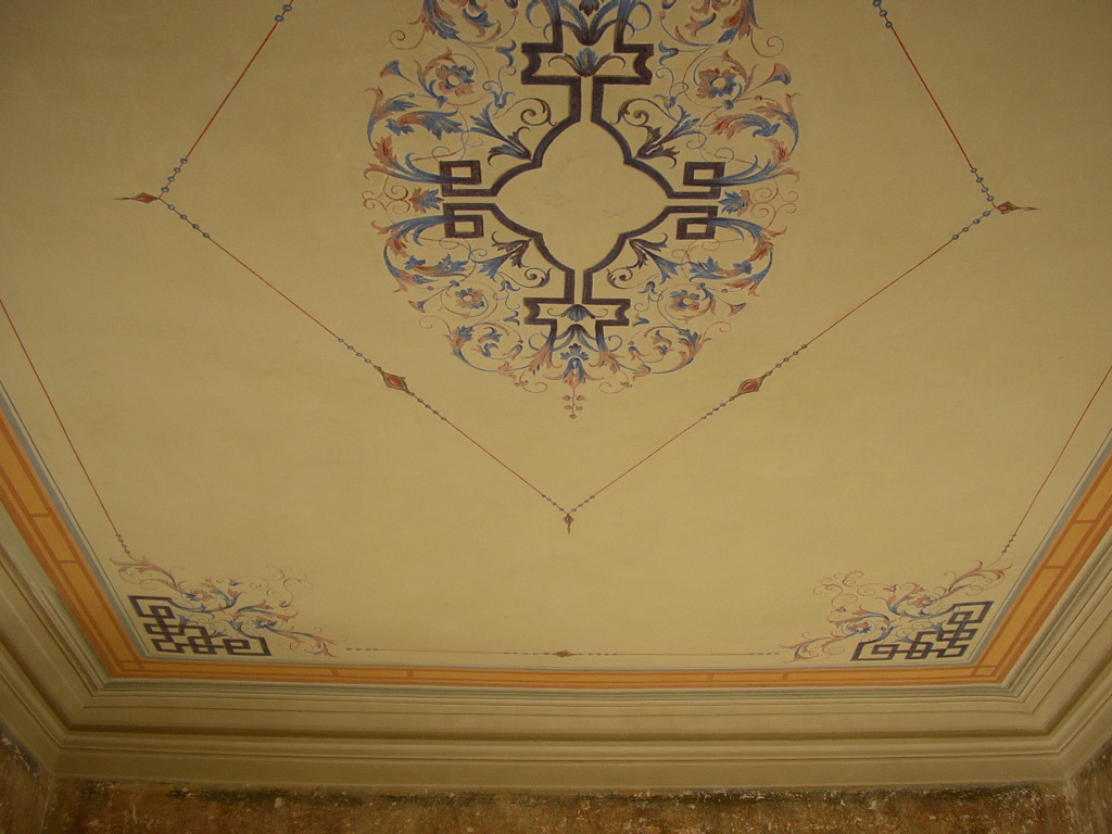 Decorazione ornamentale ex-novo su soffitto – Firenze,Italia ...